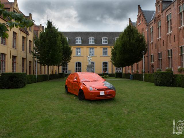 Brügge_Auto_im_Park_MG_9603