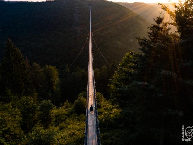 Hängeseilbrücke B